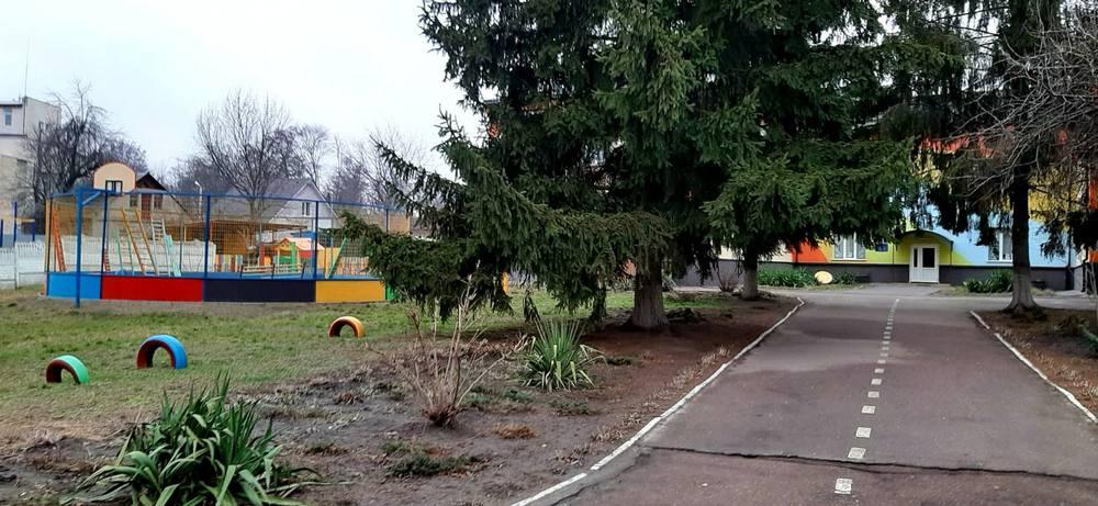 Дошкільний навчальний заклад дитячий садок Сонечко