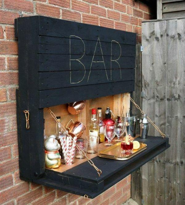 Міні-бар з дерев'яних піддонів